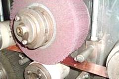 異形条酸洗バフ研磨ライン